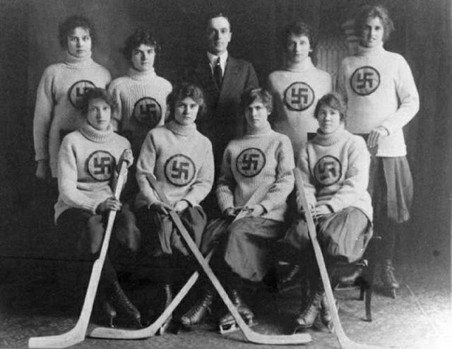 1916_Swastika_womens_ice_hockey_team
