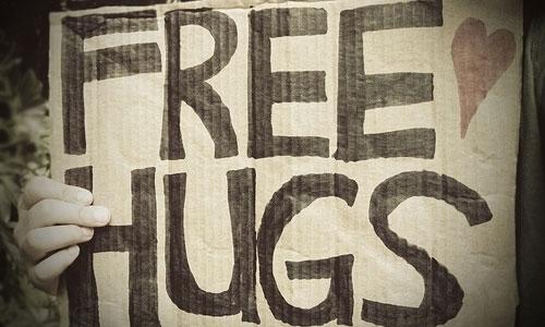 free-hugs_150714