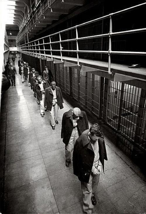 1963. Az utolso foglyok hagyjak el az Alcatrazt