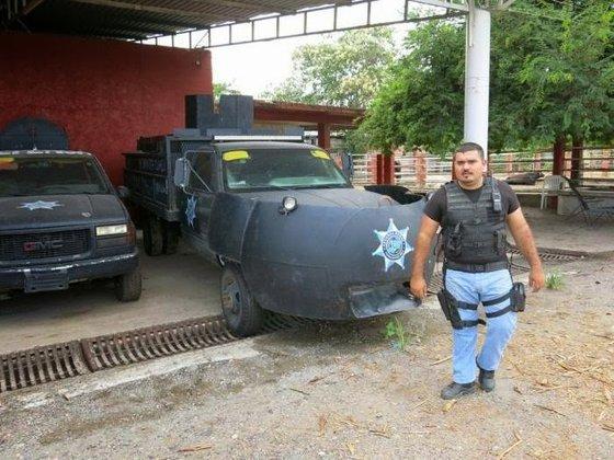 mexico_drug_trafficking_cars_041014_5