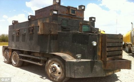 mexico_drug_trafficking_cars_041014_6b