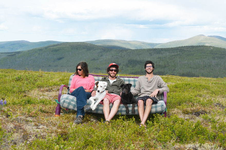 three-friends-two-dogs-one-futon-roadtrip-photos-10_021014