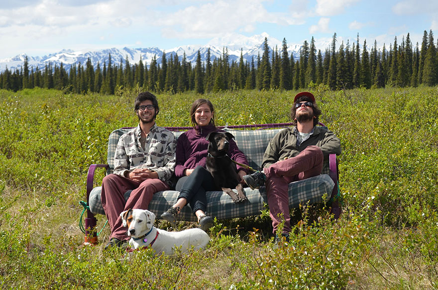 three-friends-two-dogs-one-futon-roadtrip-photos-8_021014