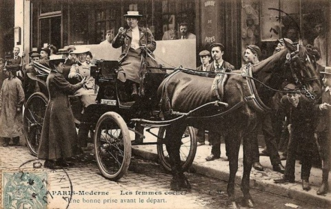 coachwomen_in_paris_170014_1b2