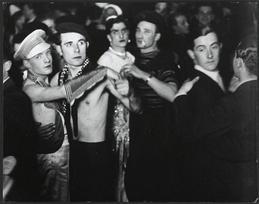Gay club in Berlin, 1930