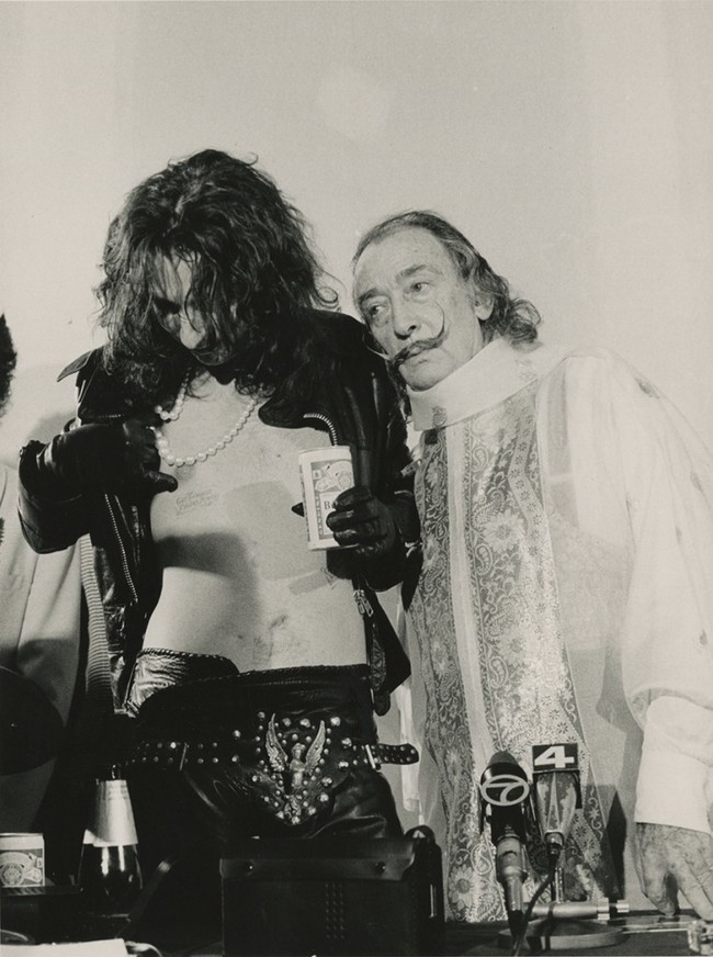 1983. Alice Cooper with Salvador Dali