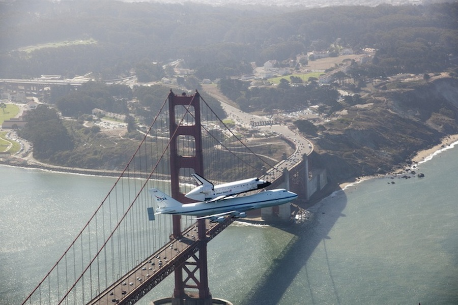 2011. junius. Az Endeavour utolso repulese, eppen a Golden Gate felett.