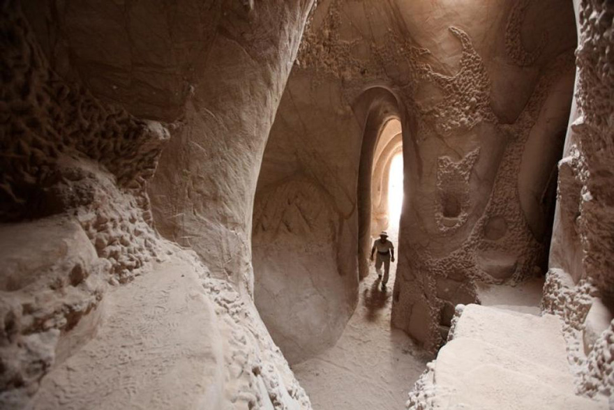 carved-cave-8_301114