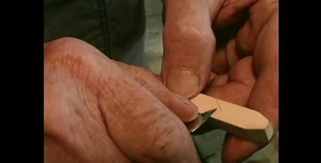 master-carver-make-pliers-with-10-cuts-231214_1b
