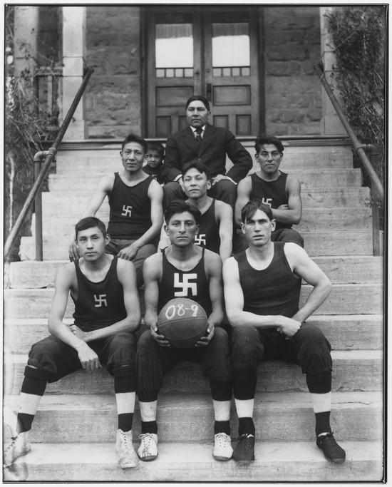 1909_north_american_native_Basketball_team_swastika