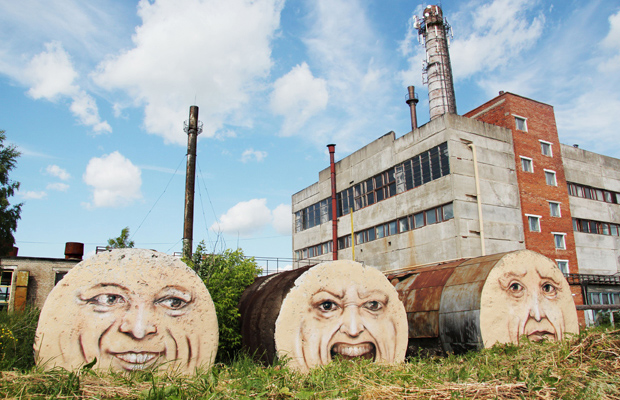 russian_street_artist_resurrects_old_buildings_230115_4b