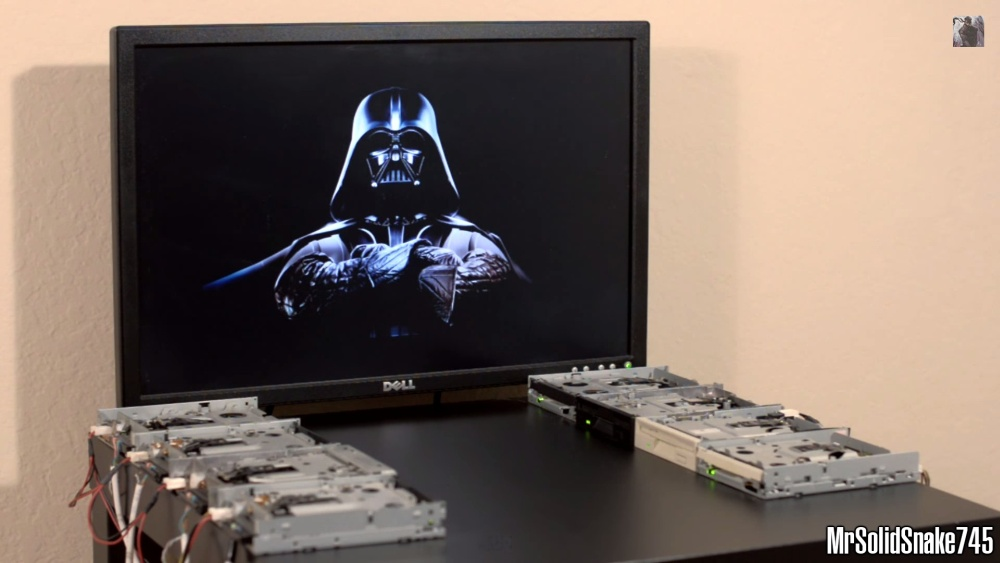 star-wars-imperial-march-on-eight-floppy-drives-270115b2
