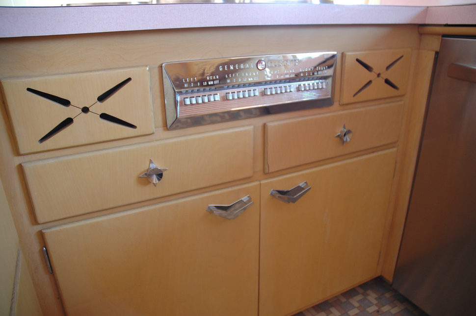 untouched_kitchen_from_thhe_50s (0c)