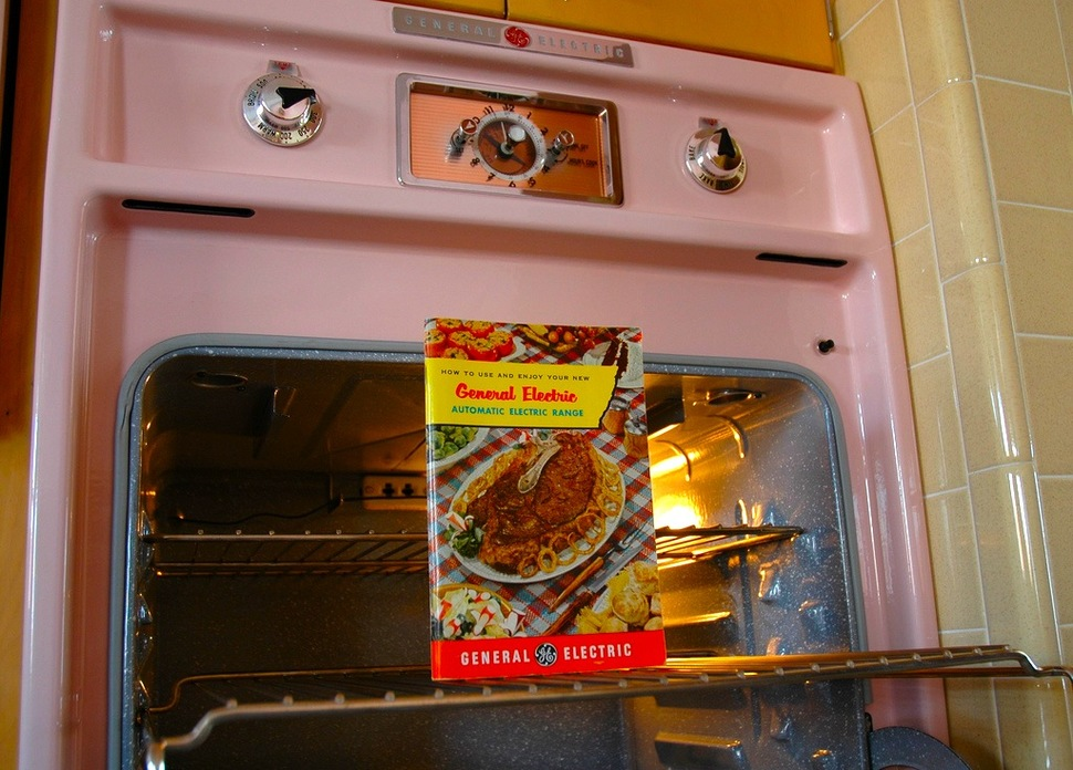 untouched_kitchen_from_thhe_50s (9)