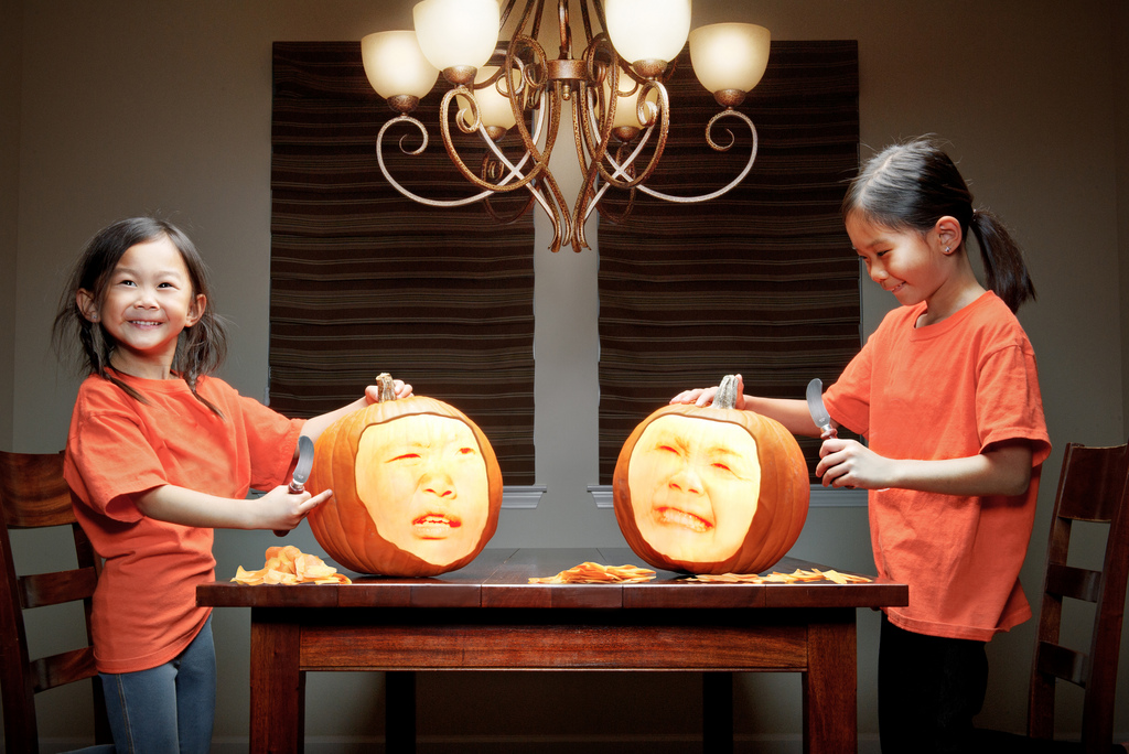 father-photographs-his-kids-in-creative-ways0