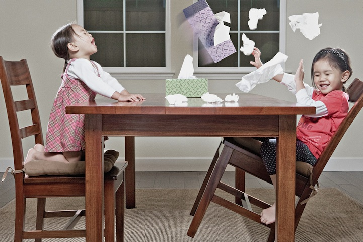 father-photographs-his-kids-in-creative-ways15