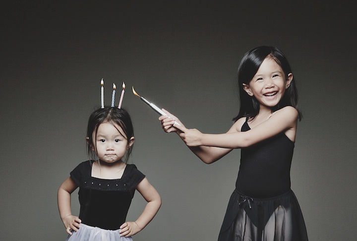 father-photographs-his-kids-in-creative-ways2b