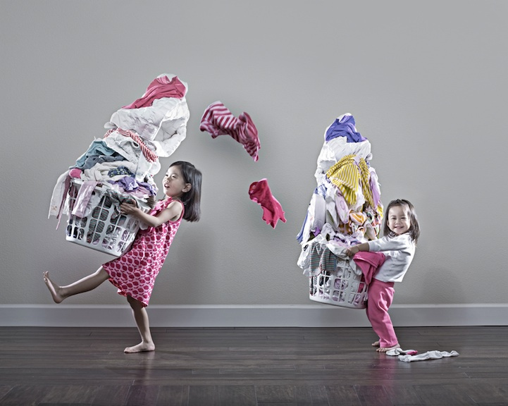 father-photographs-his-kids-in-creative-ways3