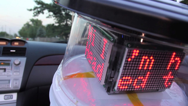 hitchbot-hitchhiking-robot-6