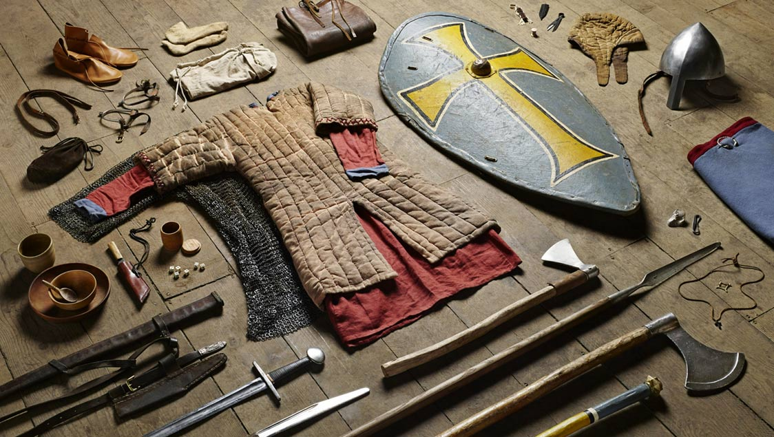 1-what-soldiers-wore-and-carried-in-war-from-the-middle-ages-to-today-huscarl-battle-of-hastings-1066