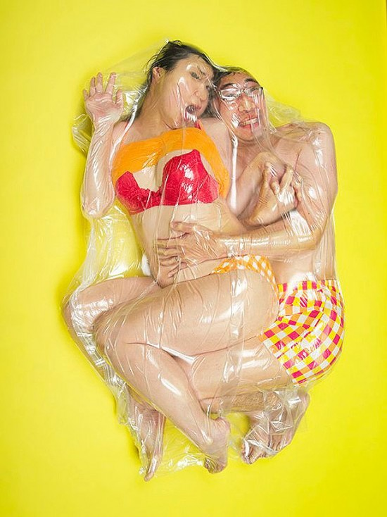 vacuum-packed-japanese-couples-14