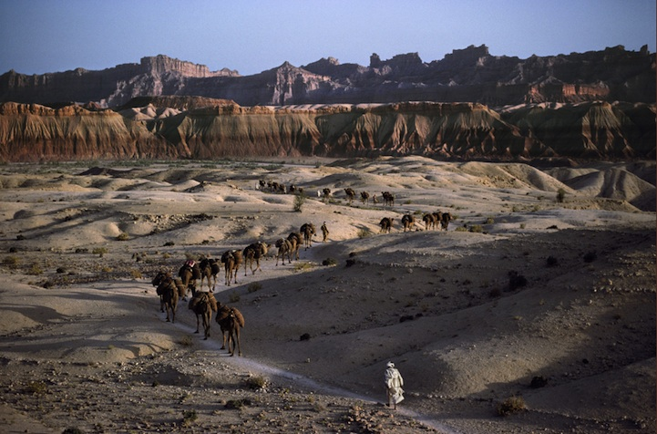 amazing-photos-of-faraway-places-by-steve-mccurry-6