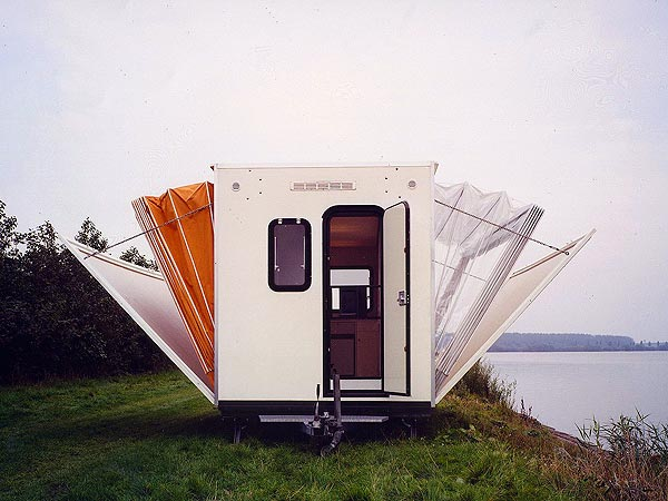 incredible-camper-folds-out-to-triple- its-size-1