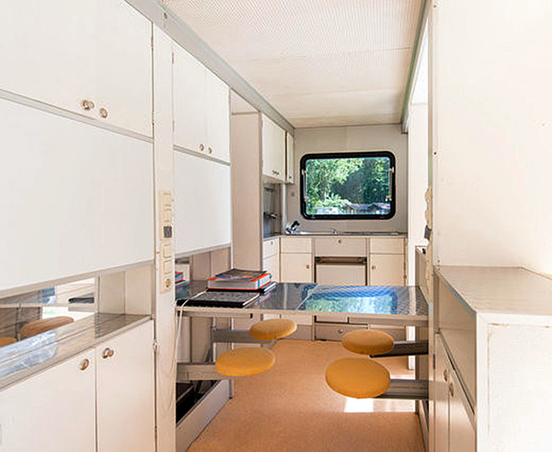 incredible-camper-folds-out-to-triple- its-size-5