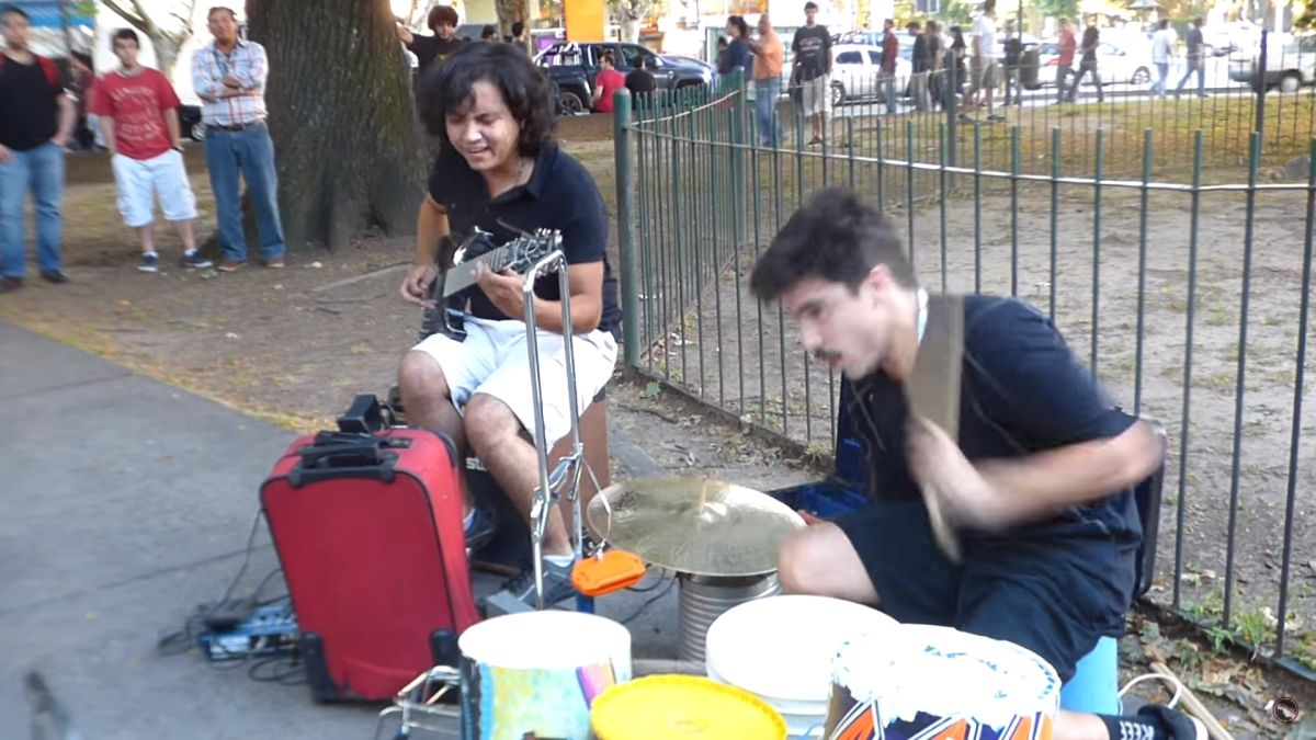 incredible-performance-by-buenos-aires-street-musicians