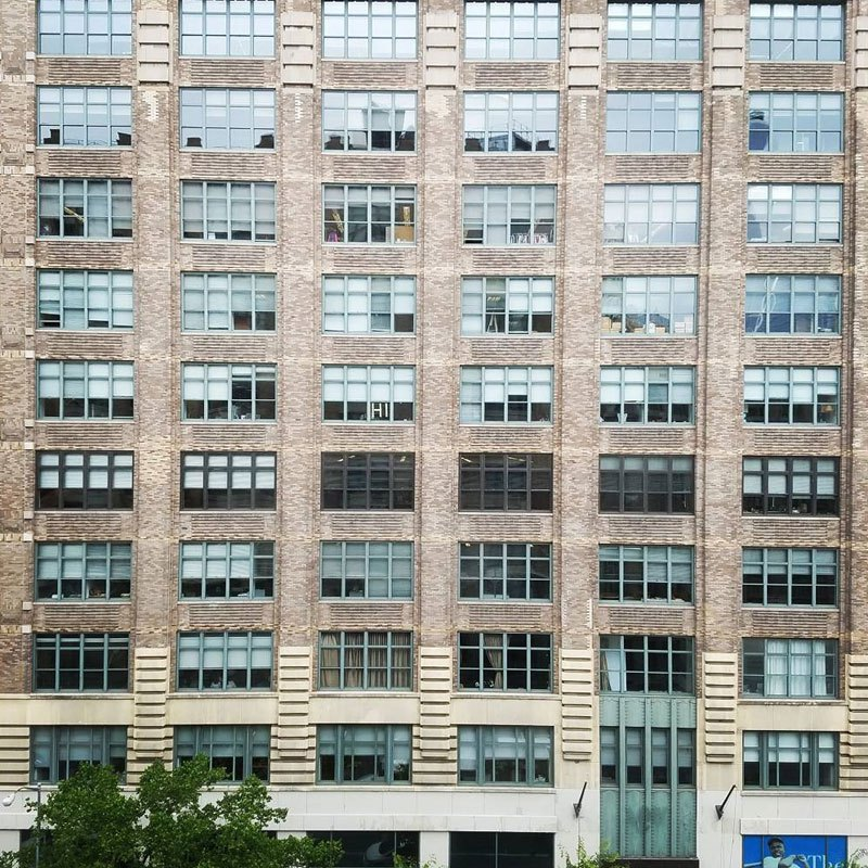 employees-in-two-buildings-wage-deadly-post-it-war-against-each-other-1