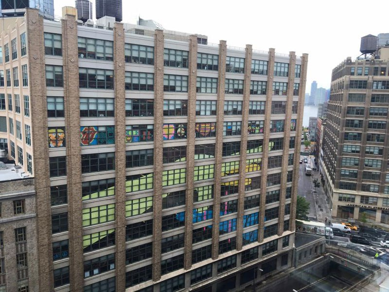 employees-in-two-buildings-wage-deadly-post-it-war-against-each-other-11