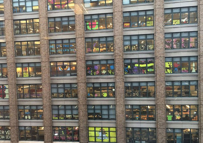 employees-in-two-buildings-wage-deadly-post-it-war-against-each-other-5