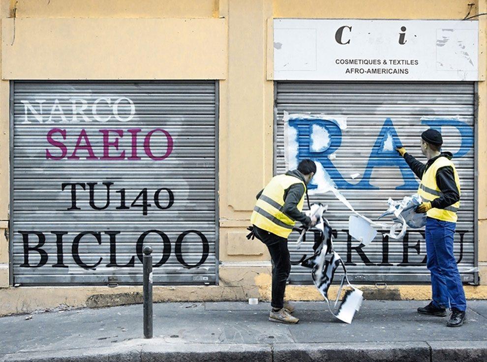 street-artist-makes-graffiti-legible-10