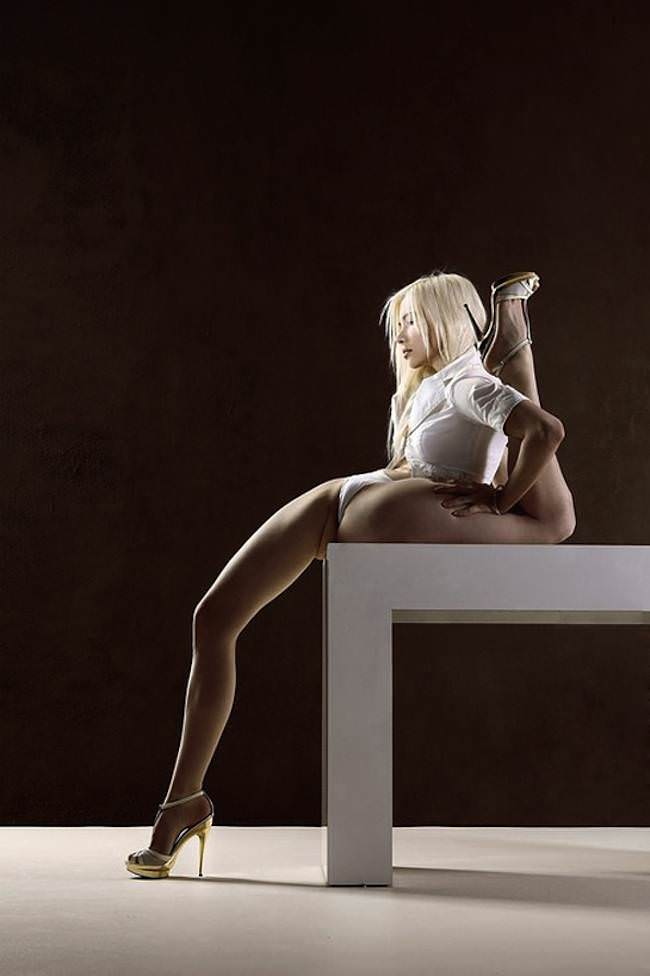 the-ultimate-contortionist-.worlds-most-flexible-girl-5