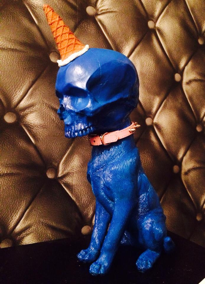 skull-dogs-weird-sculptures-4