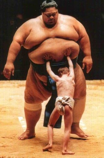 sumo-small-man-big-man