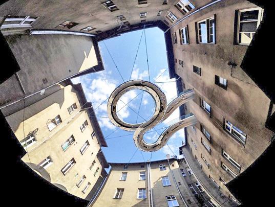 twisted-green-floating-balcony-walkway-2