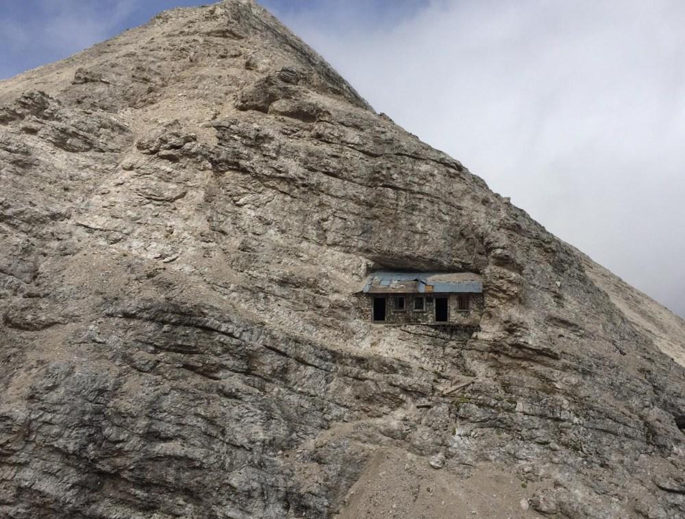 alpine shelter italy dolomites