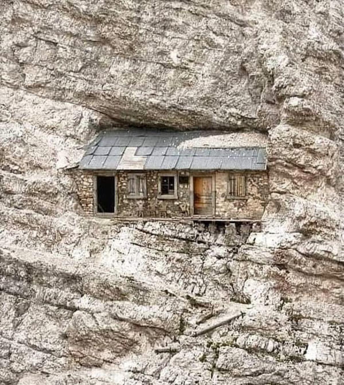 alpine shelter italy dolomites closeup